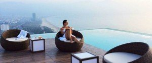 A-La-Carte-Hotel-Danang-Infinity-pool-1