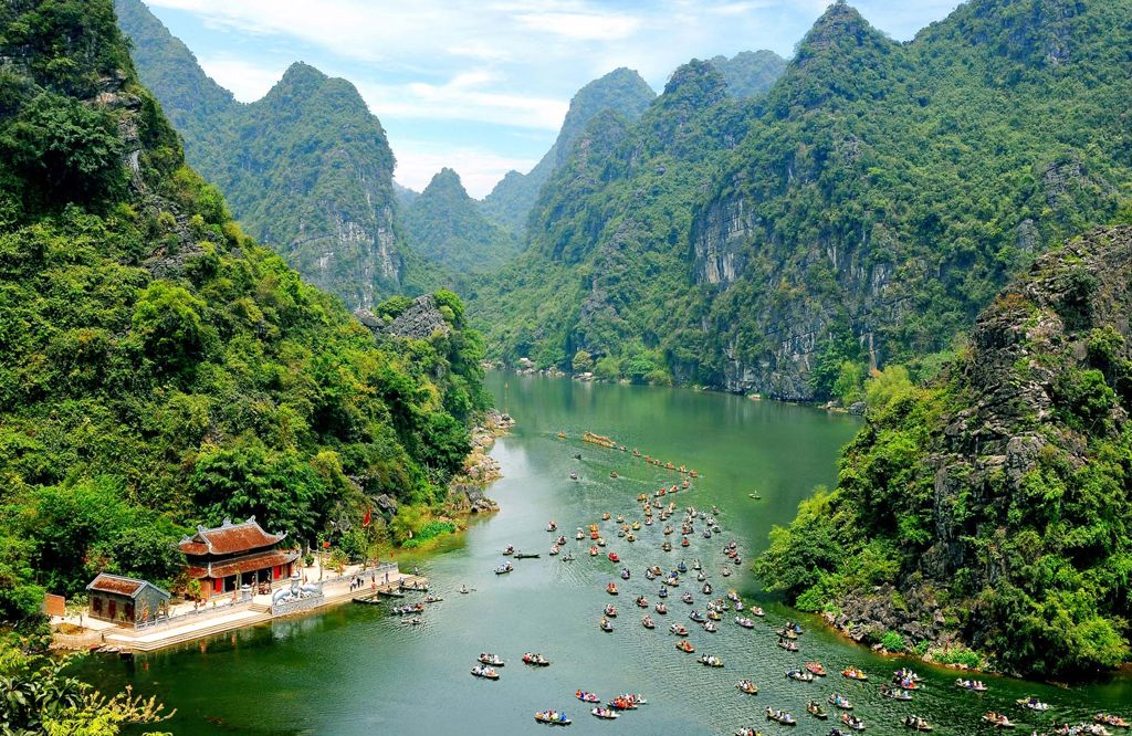 Ninh Binh Destination for Great Golf and Relaxing Tourism