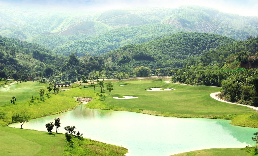 Hilltop Valley Golf Club Hoa Binh